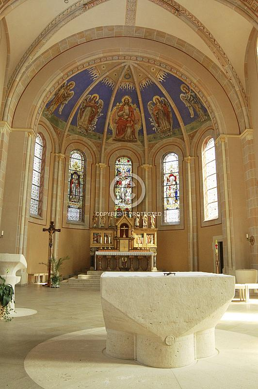Innenraum der St. Nikolaus Kirche in Rhede