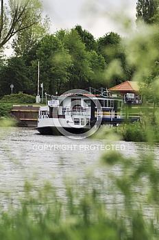 Amisia vor Schleuse zum Dortmund-Ems-Kanal