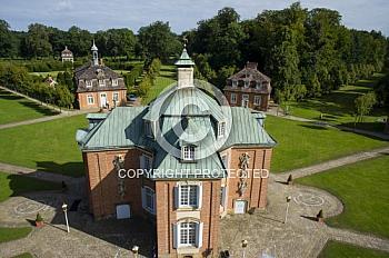 Luftaufnahme des Schloss Clemenswerth