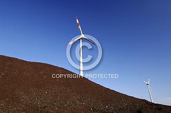 Windkraftanlage im Torfabbaugebiet