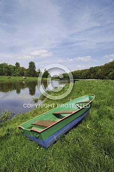 Emslandschaft mit Ruderboot bei Lingen