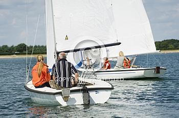 Segelboot auf Speicherbecken Geeste