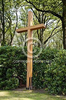 Kreuz an der Friedhoskapelle in Holthausen