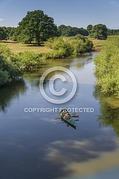 Kanufahrer auf Fluss Hase
