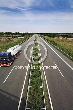 Autobahn A 31 mit Verkehr