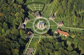 Luftaufnahme vom Schloss Clemenswerth