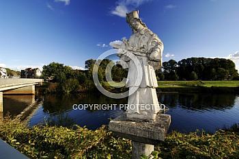 Skulptur an der Emsrücke in Meppen