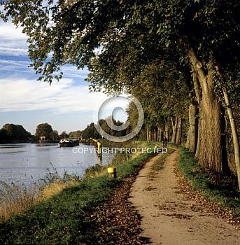 Radweg entlang des Dormtund-Ems-Kanals