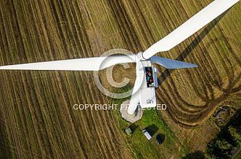 Luftaufnahme von einem Windrad