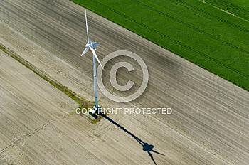 Luftaufnahme eines Windrads in Nordhümmling