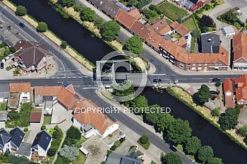 Kanal in Haren mit Hubbrücke