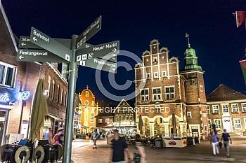 Meppener Rathaus bei Nacht